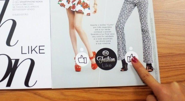 Un anuncio impreso que conecta con Facebook